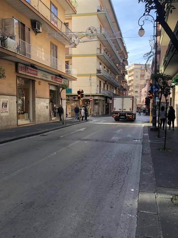 Locale commerciale, Carmine, Salerno, in ottime condizioni