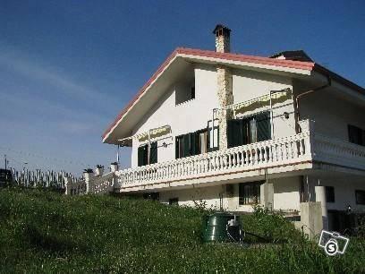 Casa semi indipendente, Santa Maria a Vico, Giffoni Valle Piana, in ottime condizioni
