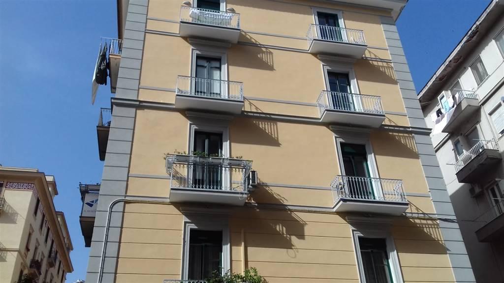 Quadrilocale, Centro, Salerno, ristrutturato