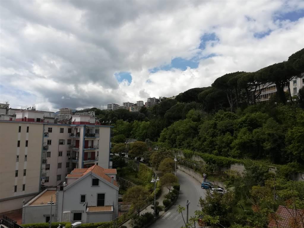 Trilocale in Via Salvatore Calenda 166, Carmine, Salerno
