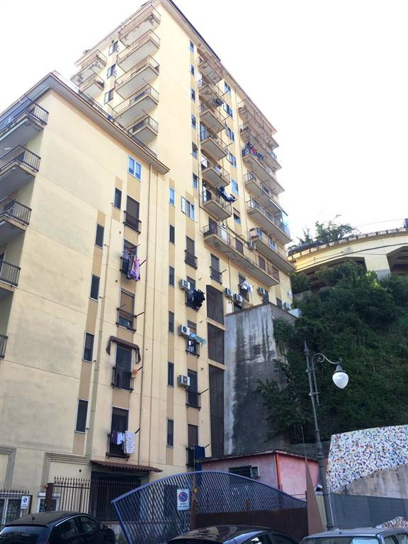 Trilocale, Carmine, Salerno, ristrutturato