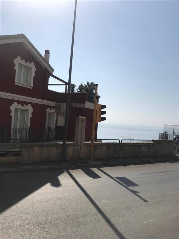 Monolocale, Canalone, Salerno
