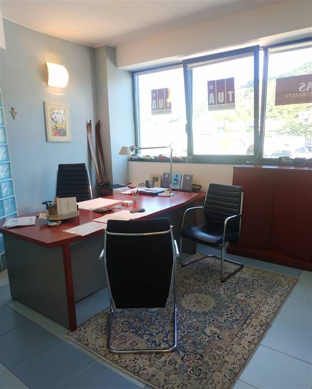 SAN LEONARDO / ARECHI / MIGLIARO, SALERNO, Office for sale of 87 Sq. mt., Good condition, Heating Individual heating system, Energetic class: G, Epi:
