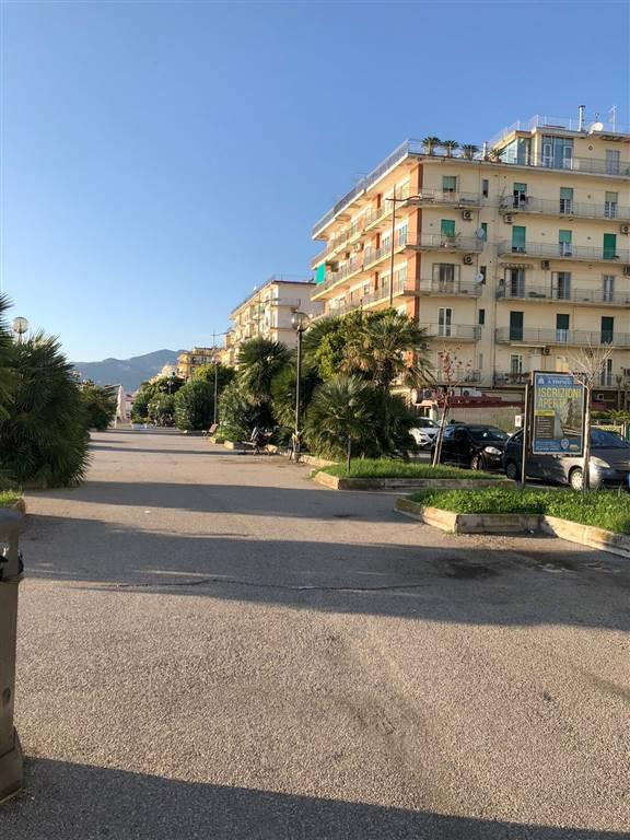 Bilocale in Piazza Monsignor Grasso  25, Mercatello, Salerno