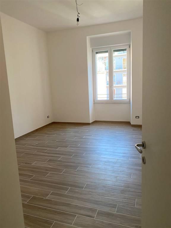 CENTRO, SALERNO, Wohnung zur miete von 65 Qm, Renoviert, Heizung Unabhaengig, Energie-klasse: G, Epi: 175 kwh/m2 jahr, am boden 2° auf 3,