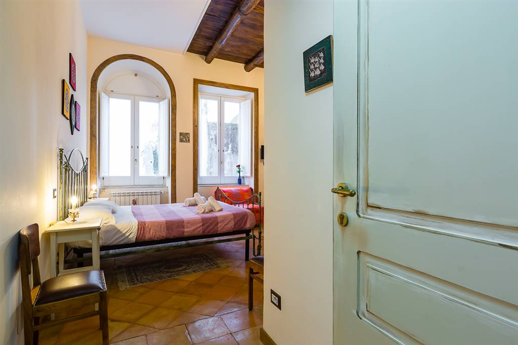 CENTRO STORICO, SALERNO, Apartment for the vacation for rent of 32 Sq. mt., Restored, Energetic class: G, placed at 1°, composed by: 1 Room, 1