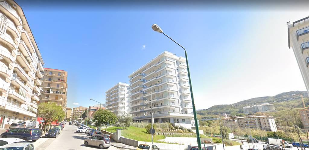 GELSO - CAMPIONE, SALERNO, Ufficio in affitto di 60 Mq, Buone condizioni, Riscaldamento Autonomo, Classe energetica: G, Epi: 175 kwh/m3 anno, posto
