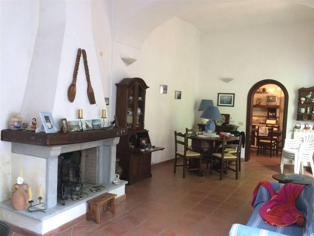 Soluzione Indipendente in vendita a Forio, 5 locali, prezzo € 395.000 | CambioCasa.it