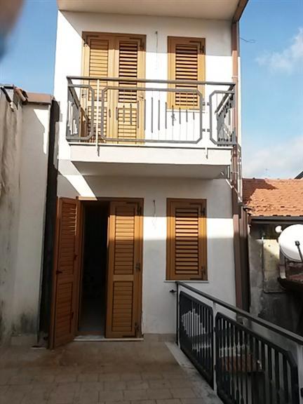 Terratetto in Via Somma, Nicolosi