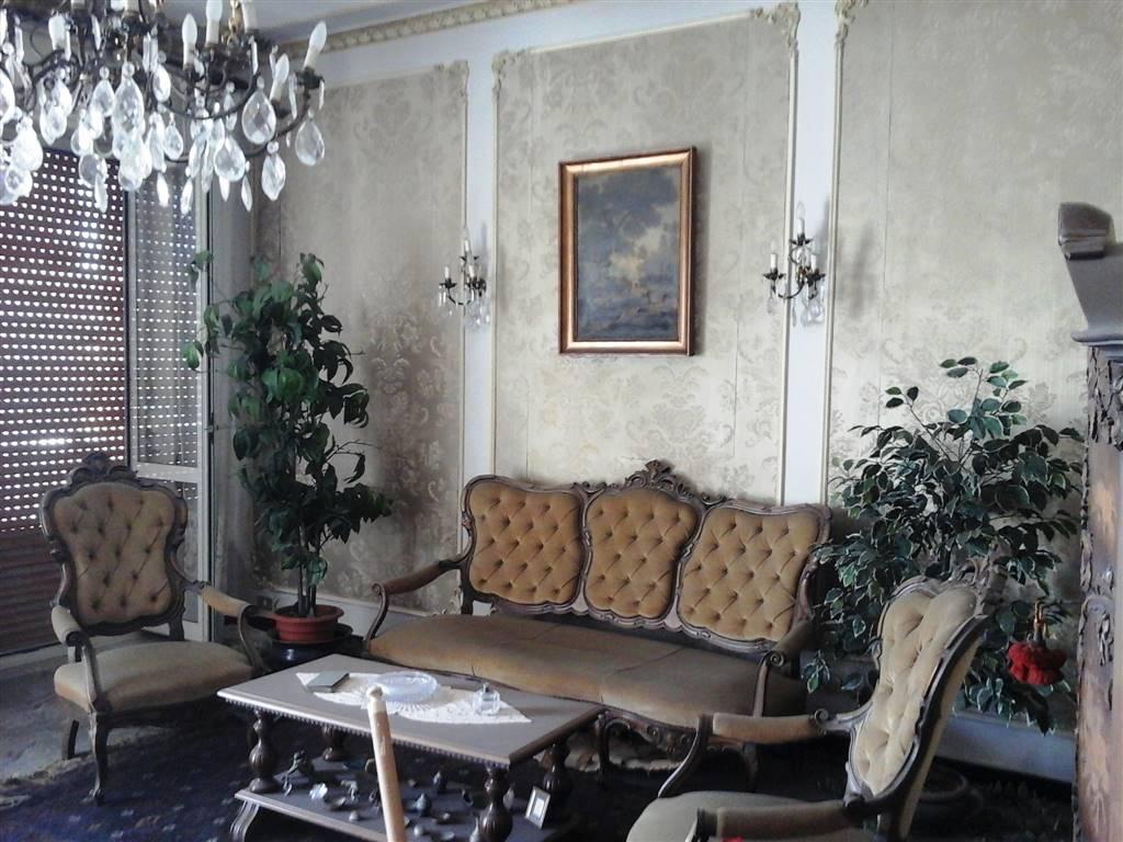 Appartamento in vendita a Augusta, 6 locali, zona Località: CENTRO, prezzo € 80.000 | PortaleAgenzieImmobiliari.it
