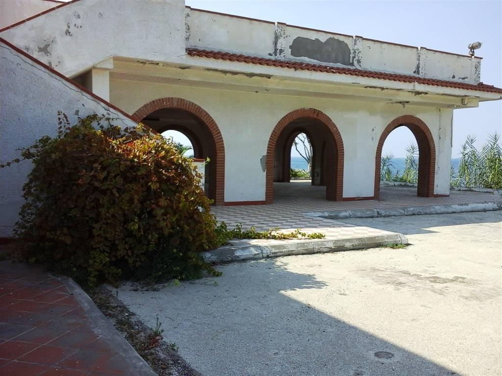 Vista corpo ristorante e veranda - Rif. GE46758