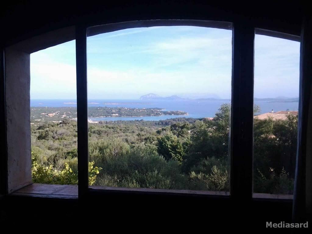 Villa in vendita a Arzachena - Porto Cervo, 9 locali, zona Località: ABBIADORI, prezzo € 1.300.000   CambioCasa.it
