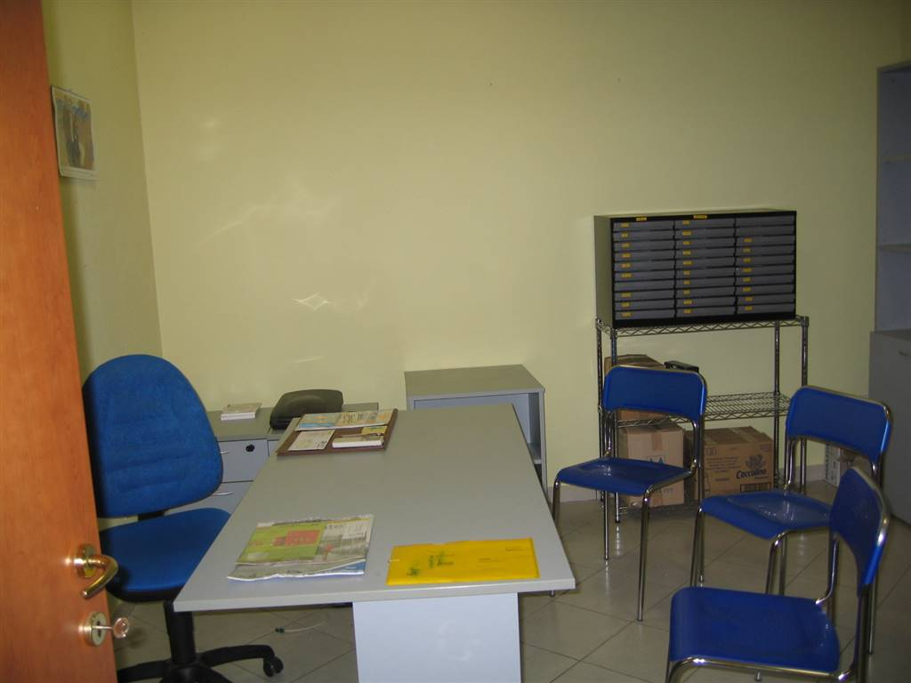 Ufficio in Via Dante Alighieri, Venturina, Campiglia Marittima