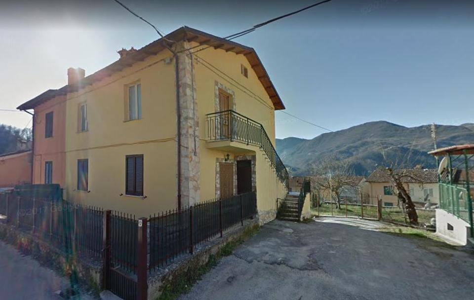 Appartamento in vendita a Petrella Salto, 4 locali, zona Zona: Borgo San Pietro, prezzo € 68.000 | CambioCasa.it