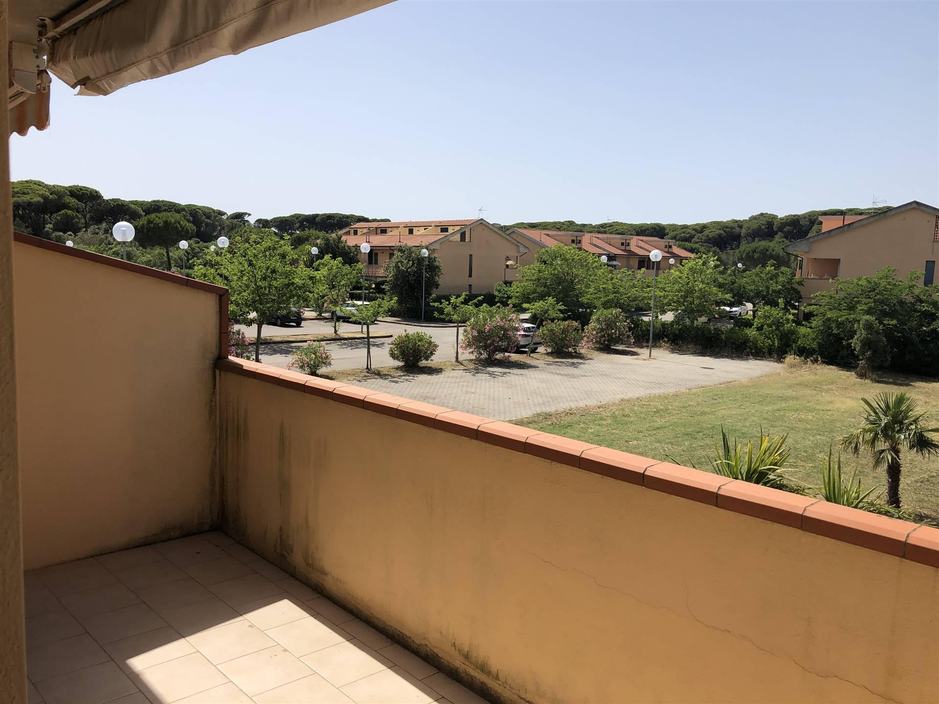 balcone lato camere