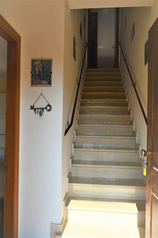scale di accesso piano primo