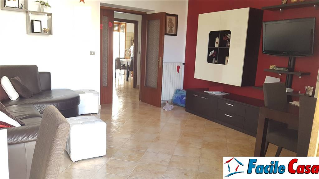 FORMIA, Apartment for rent, Habitable, Heating Individual heating system, Energetic class: G, placed at 2°, composed by: 4 Rooms, Separate kitchen, ,