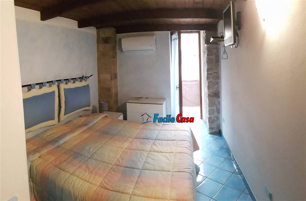 MARANOLA, FORMIA, Apartment for sale of 135 Sq. mt., Restored, Heating Individual heating system, Energetic class: G, placed at Ground on 2, composed