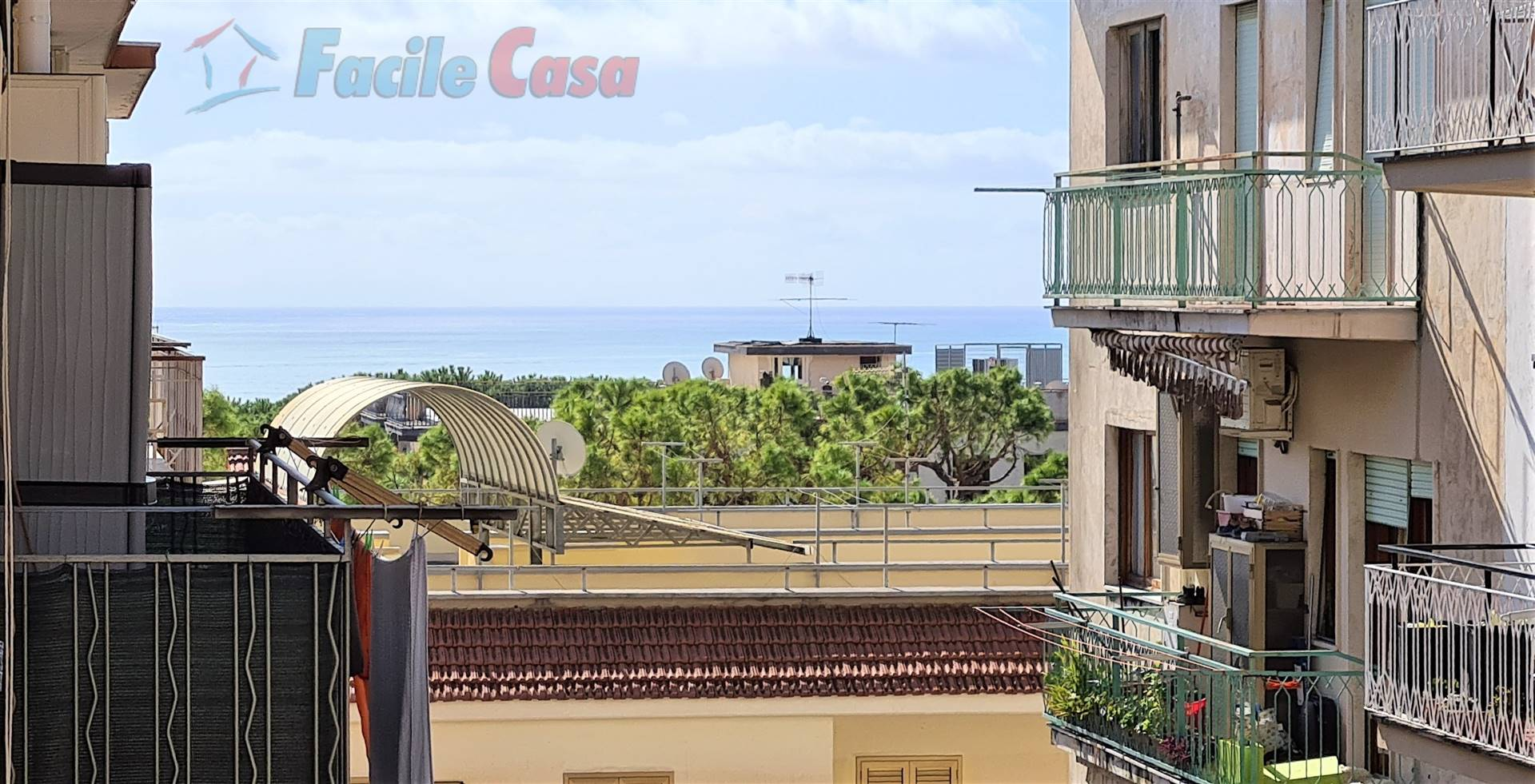 FORMIA, Apartment for sale of 50 Sq. mt., Restored, Heating Individual heating system, Energetic class: G, placed at 3° on 3, composed by: 2 Rooms,