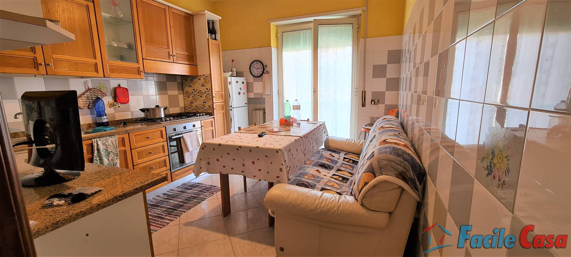 FORMIA, Apartment for sale of 112 Sq. mt., Good condition, Heating Individual heating system, Energetic class: G, placed at 2° on 3, composed by: 3