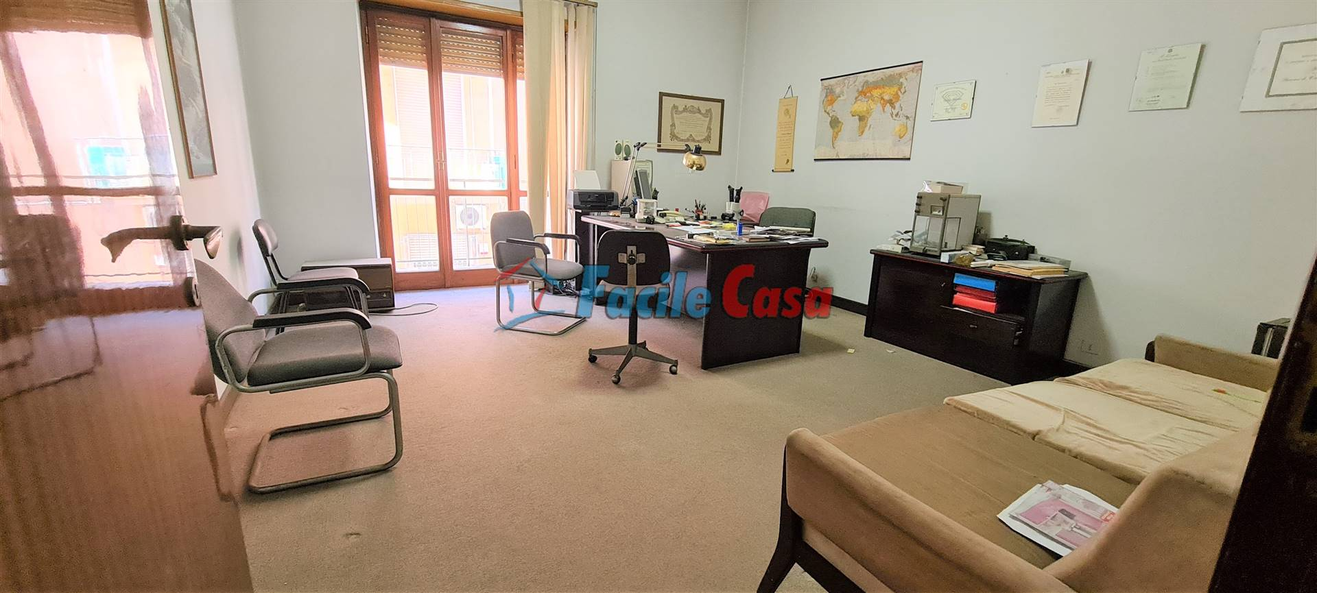 FORMIA, Apartment for sale of 97 Sq. mt., Be restored, Heating Individual heating system, Energetic class: G, placed at 2° on 3, composed by: 3 Rooms,