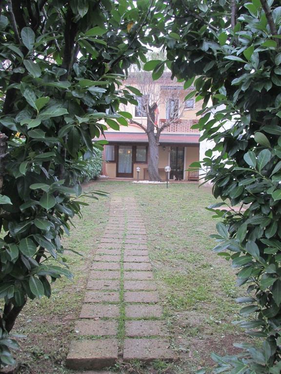 Villa a schiera in Viale Della Vittoria 25, Lonigo