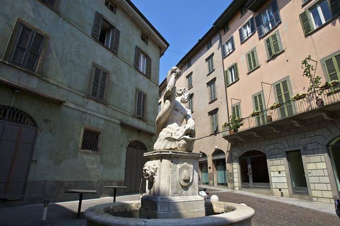 Quadrilocale in Via Pignolo  69, Centrale, Bergamo