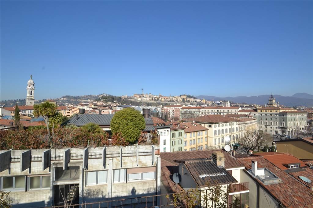 Attico, Centrale, Bergamo