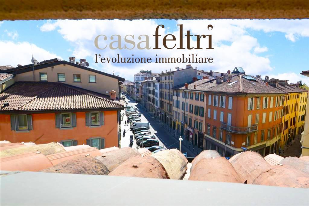 Appartamento in affitto a Bergamo, 7 locali, zona rale, prezzo € 1.950 | PortaleAgenzieImmobiliari.it