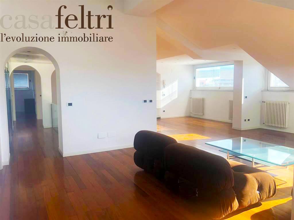 Attico / Mansarda in vendita a Bergamo, 4 locali, zona rale, prezzo € 285.000 | PortaleAgenzieImmobiliari.it