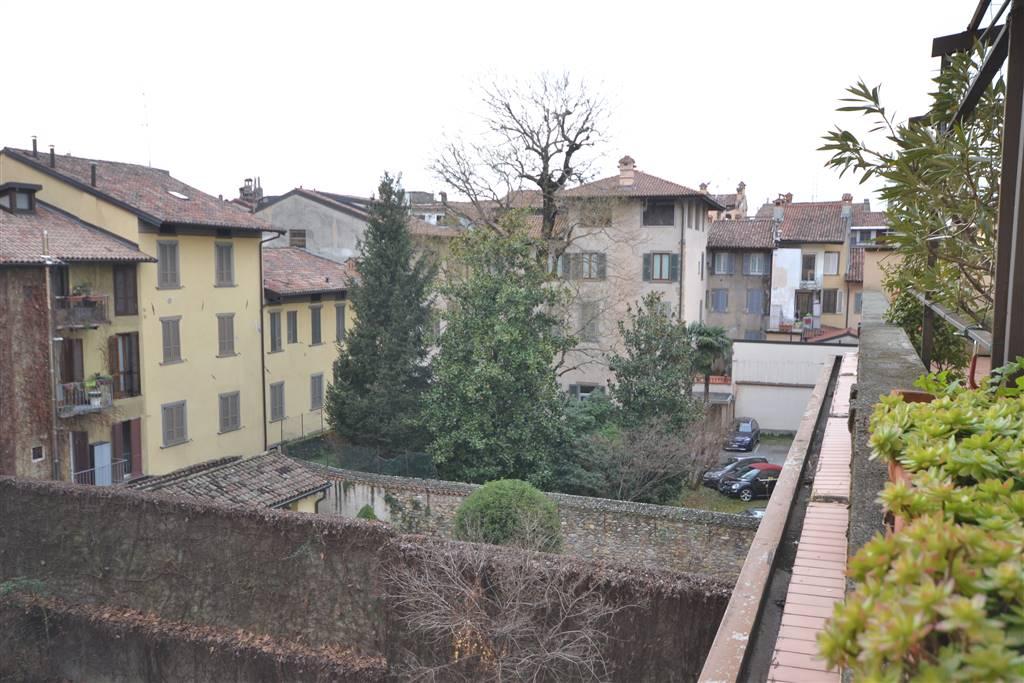 Quadrilocale in S.orsola 19, Centrale, Bergamo