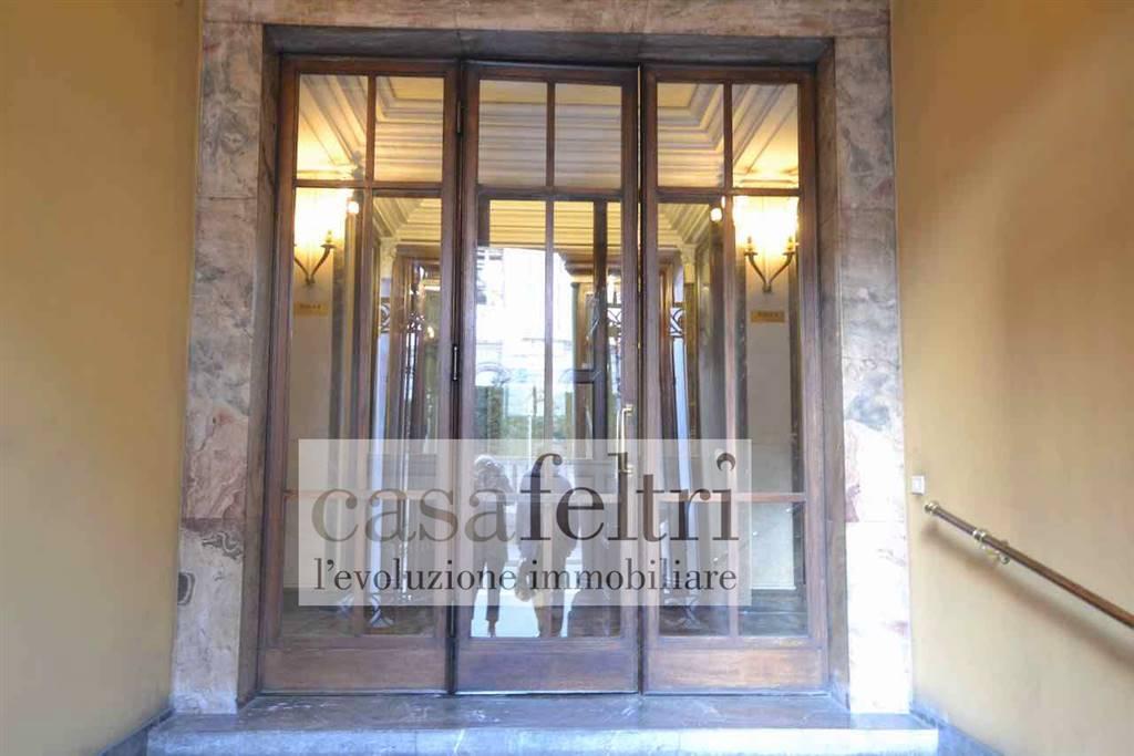Ufficio / Studio in affitto a Bergamo, 7 locali, zona Zona: Centrale, prezzo € 2.000 | CambioCasa.it