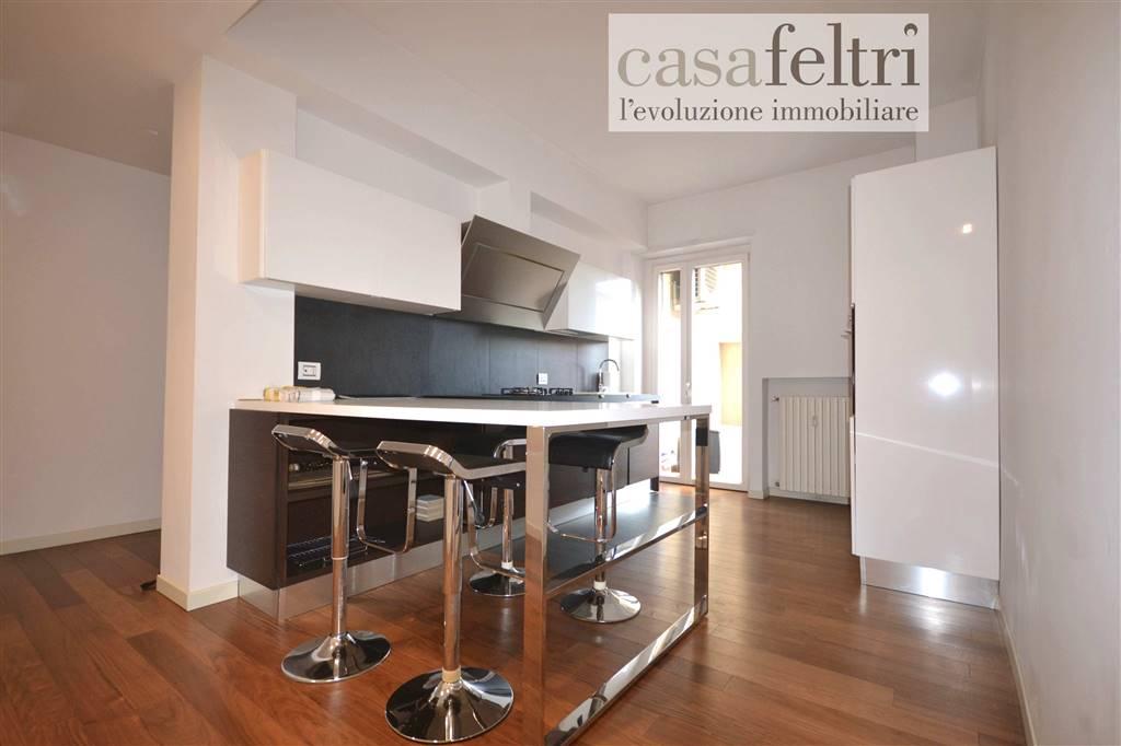 Trilocale in Via Frizzoni  12, Centrale, Bergamo