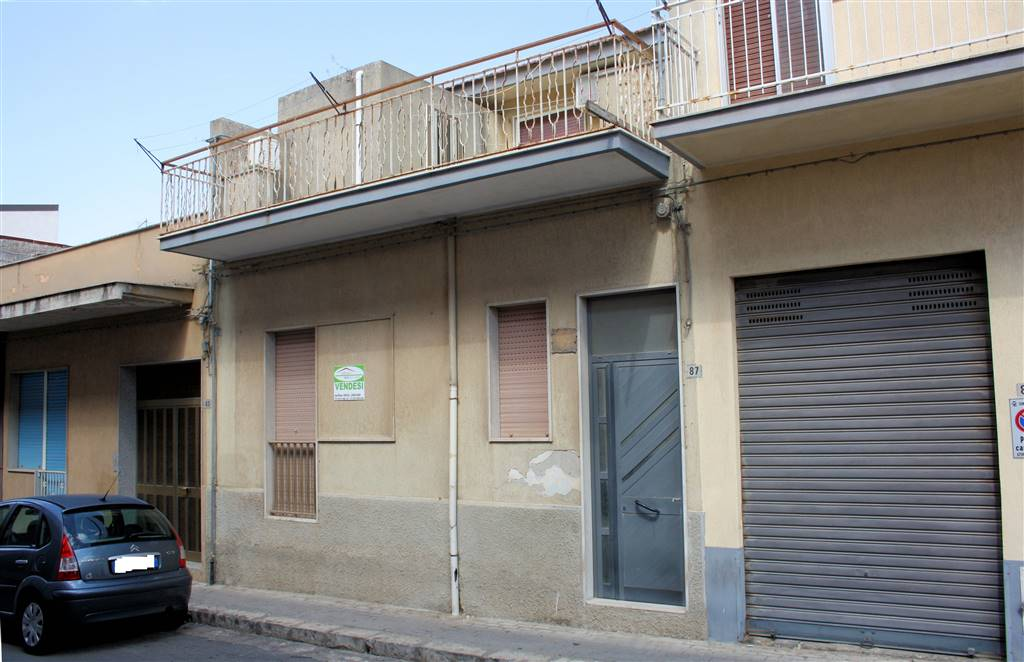 POMPIERI, RAGUSA, Detached house for sale of 120 Sq. mt., Be restored, Heating Individual heating system, Energetic class: F, Epi: 167,98 kwh/m2 year,
