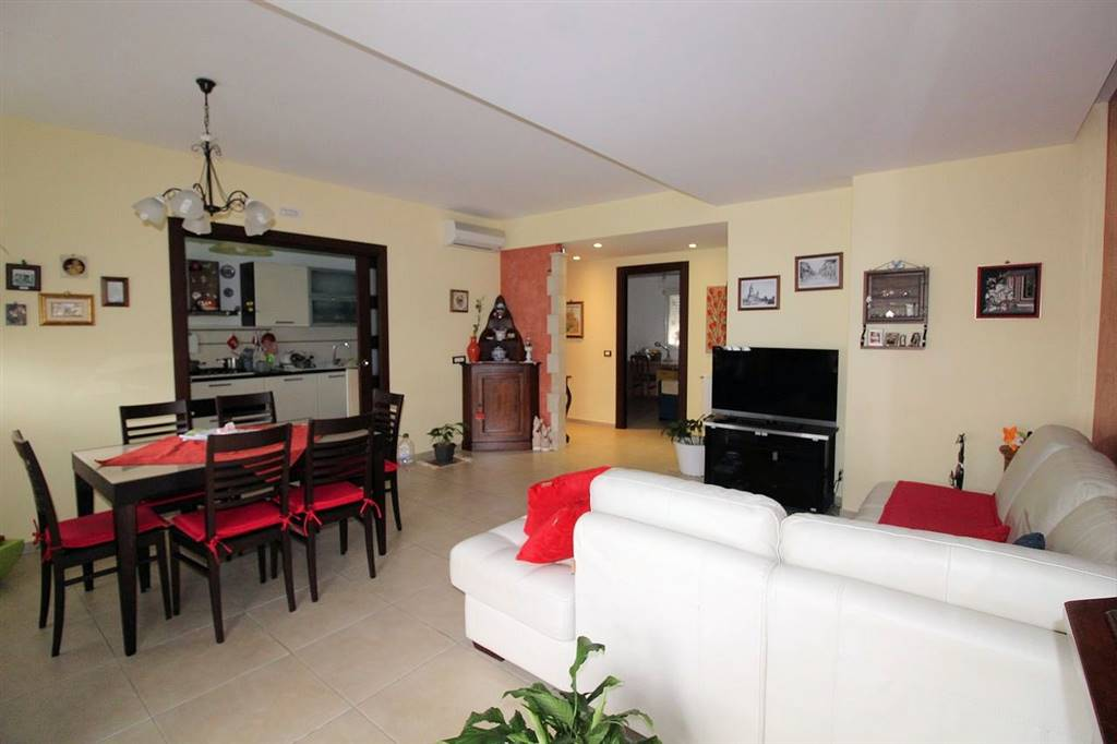VIALE EUROPA, RAGUSA, Apartment for sale of 110 Sq. mt., Almost new, Heating Individual heating system, Energetic class: E, Epi: 105,74 kwh/m2 year,