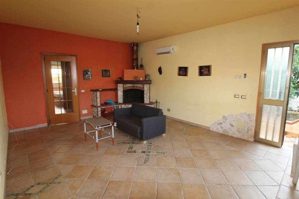MARINA DI RAGUSA, RAGUSA, Villa zur miete von 100 Qm, Renoviert, Heizung Unabhaengig, Energie-klasse: E, Epi: 172,92 kwh/m2 jahr, am boden Land auf 1,