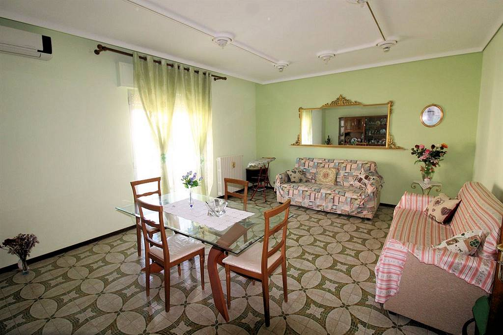 VIALE EUROPA, RAGUSA, Detached house for sale of 105 Sq. mt., Good condition, Heating Individual heating system, Energetic class: F, Epi: 194,6