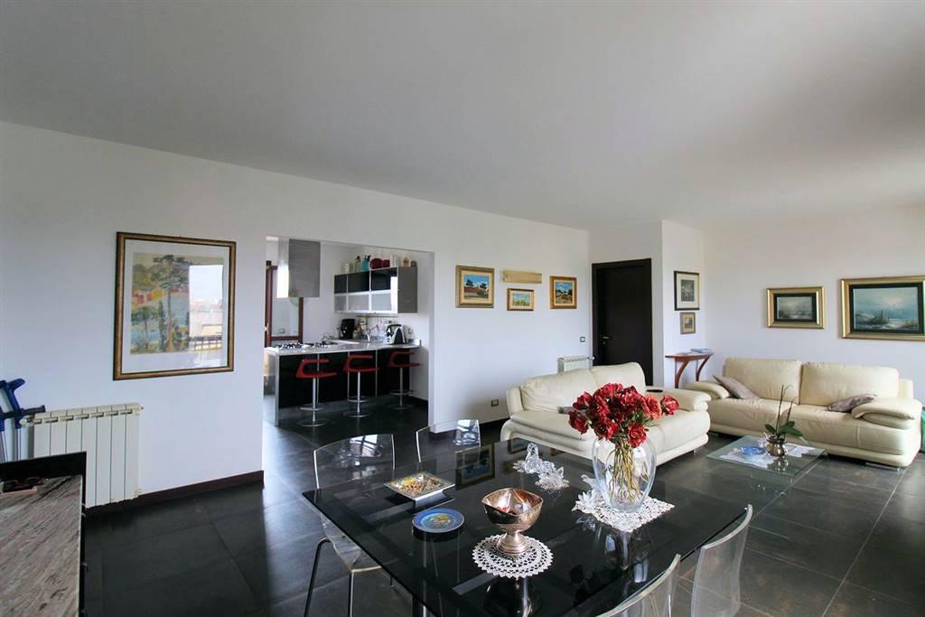 BEDDIO/GESUITI PIANETTI, RAGUSA, Wohnung zu verkaufen von 112 Qm, Halbneu, Heizung Unabhaengig, Energie-klasse: F, Epi: 134,24 kwh/m2 jahr, am boden