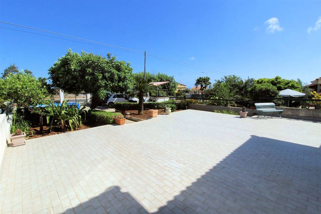 MARINA DI RAGUSA, RAGUSA, Villa for sale of 122 Sq. mt., Habitable, Heating Non-existent, Energetic class: E, Epi: 261,5 kwh/m2 year, placed at