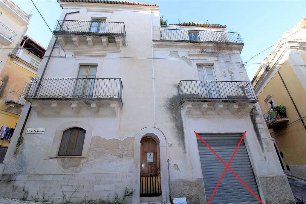 CENTRO, RAGUSA, Detached house for sale of 225 Sq. mt., Be restored, Heating Individual heating system, Energetic class: F, Epi: 337,98 kwh/m2 year,