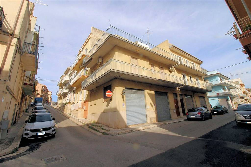 CENTRO STORICO ALTO, RAGUSA, Detached house for sale of 200 Sq. mt., Habitable, Heating Individual heating system, Energetic class: F, Epi: 249,92