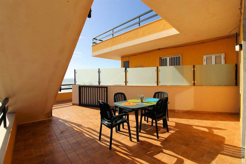 MARINA DI RAGUSA, RAGUSA, Apartment for sale of 65 Sq. mt., Good condition, Heating Non-existent, placed at 1° on 2, composed by: 5 Rooms, Separate