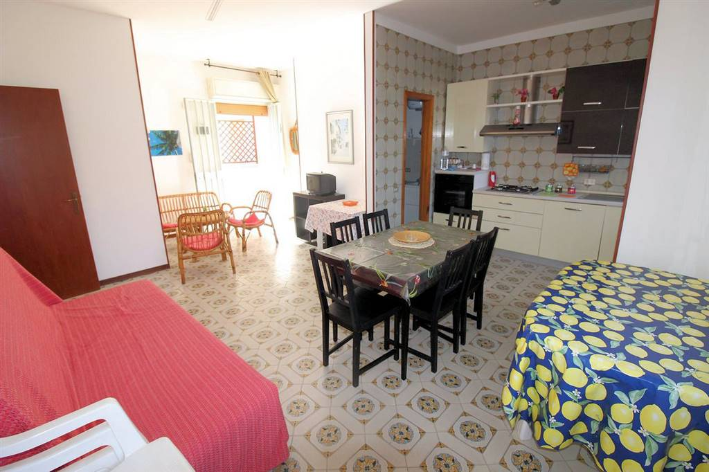 CAUCANA, SANTA CROCE CAMERINA, Apartment for sale of 90 Sq. mt., Habitable, placed at Ground on 3, composed by: 3 Rooms, Separate kitchen, , 2