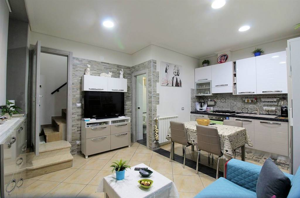 RAGUSA, Detached house for sale of 100 Sq. mt., Restored, Heating Individual heating system, Energetic class: F, Epi: 168,5 kwh/m2 year, composed by: