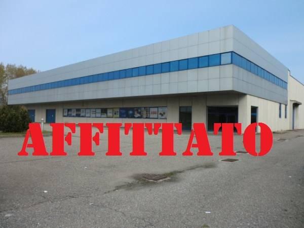 Capannone in affitto a Rozzano, 9999 locali, Trattative riservate | CambioCasa.it