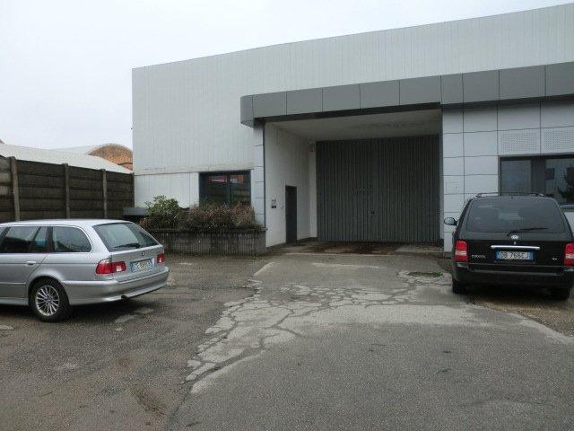 Capannone in affitto a Opera, 9999 locali, prezzo € 33.000 | PortaleAgenzieImmobiliari.it