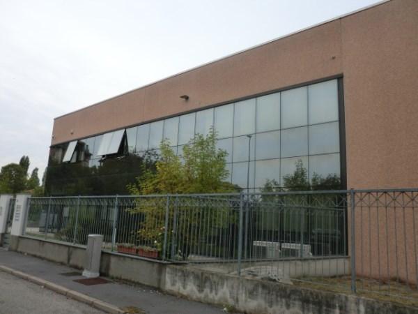 Capannone in affitto a Abbiategrasso, 9999 locali, Trattative riservate | CambioCasa.it