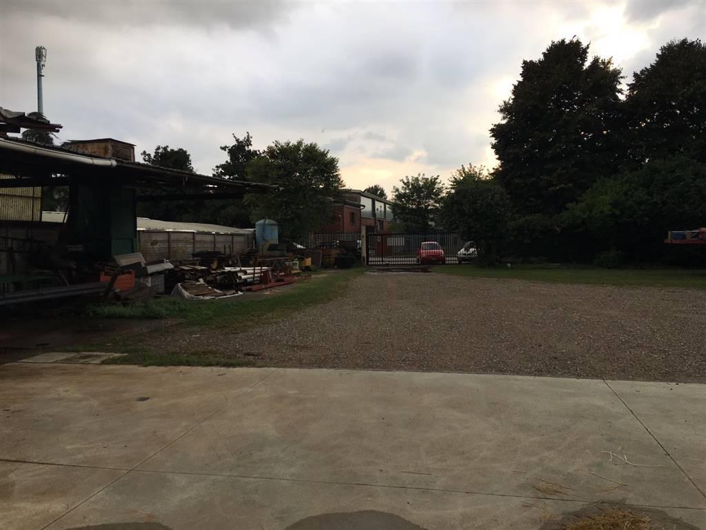 Capannone in vendita a Abbiategrasso, 9999 locali, zona Zona: Mendosio, prezzo € 480.000 | CambioCasa.it