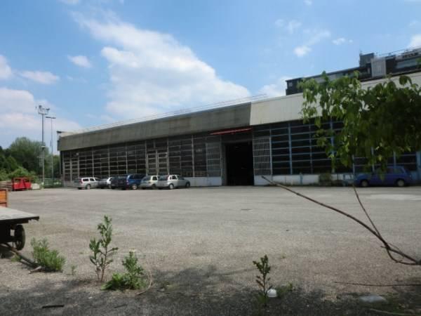 Capannone industriale, Milano