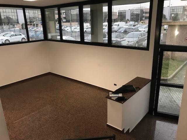Ufficio / Studio in affitto a Assago, 9999 locali, zona Località: CENTRO, prezzo € 18.000 | CambioCasa.it